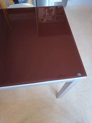 mesa de cocina cristal y color aluminio