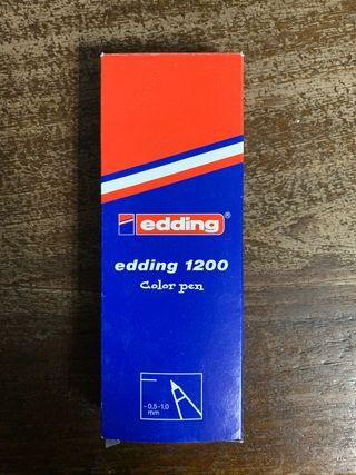 Paquetes de rotuladores Edding.
