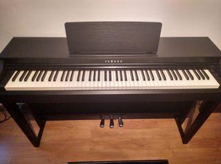 Piano Yamaha Clavinova CLP-525