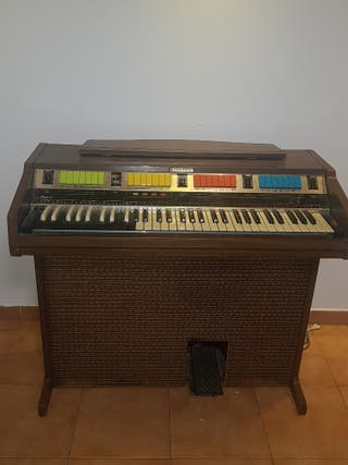 Piano Organo antiguo marca Hammond