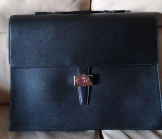 Bolso maletin LOEWE
