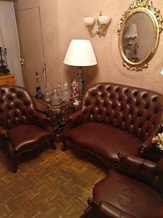 3 sofás en madera y piel