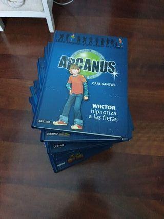 Colección de libros Arcanus