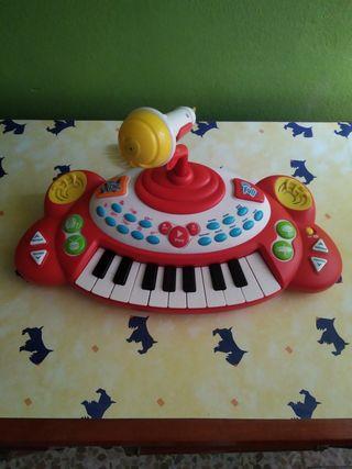 Órgano con micrófono para niños