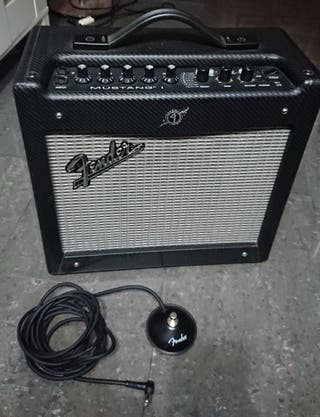 Fender Mustang I