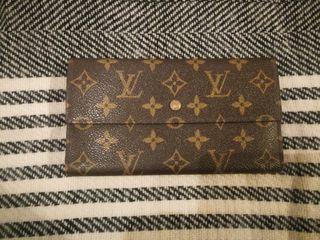 Louis Vuitton billetero