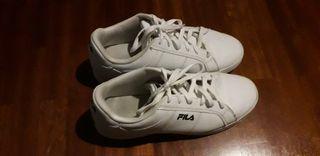 Zapatillas Fila talla 44 de segunda mano por 10 € en Bilbao