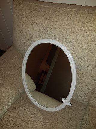 Espejo blanco pared
