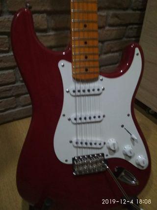 guitarra Stratocaster/Partcaster Fiesta Red +funda