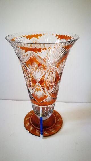 Jarrón de cristal tallado antiguo. 40 cm aprox. T