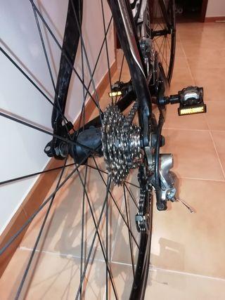 Bicicleta fibra carbono Goka