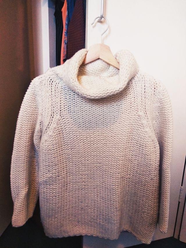 Jersey blanco de lana.