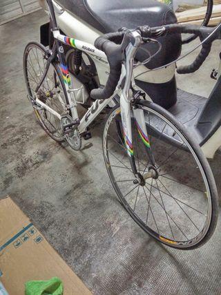 vendo bici carretera Fuji limited