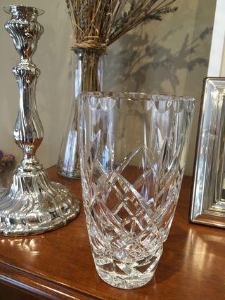 Precioso jarrón cristal tallado