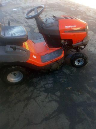 tractor cortacesp Husqvarna