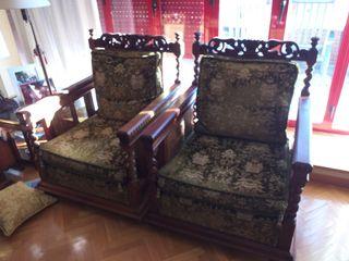 Conjunto de sofá y dos sillones antiguos