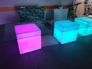 Mesa iluminada en polietileno