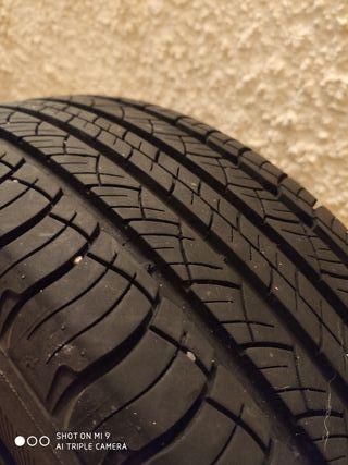 215 65 R16 98H Michelin Latitude