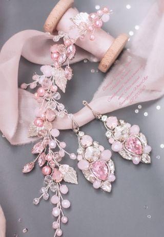 Tiara + Pendientes en tono rosa para novia madrina