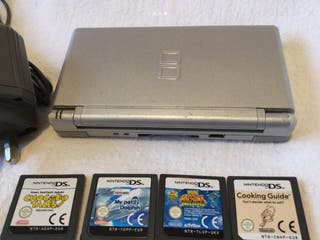 Nintendo DS Lite with 4 Games & Charger