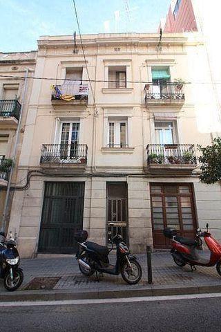 Bajo en venta en Sants en Barcelona