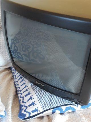tv de tubo pequeña