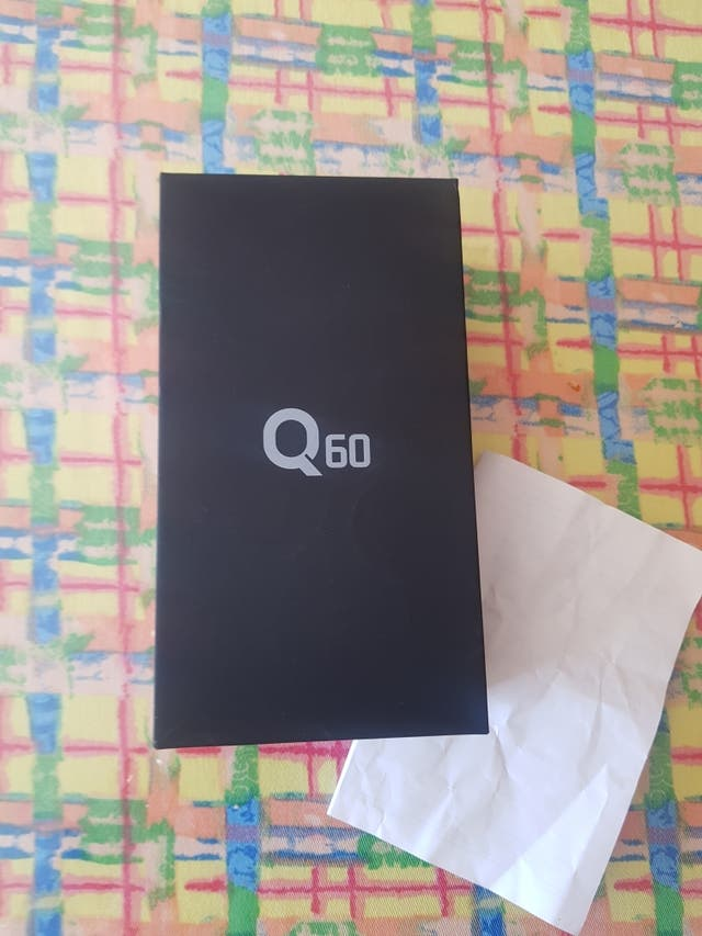 Movil LG-Q60