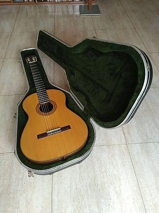 Guitarra de concerts / Guitarra de conciertos