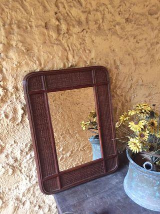 Espejo de mimbre color marrón