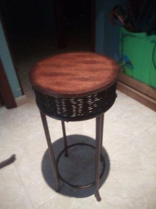 silla de madera y cobre