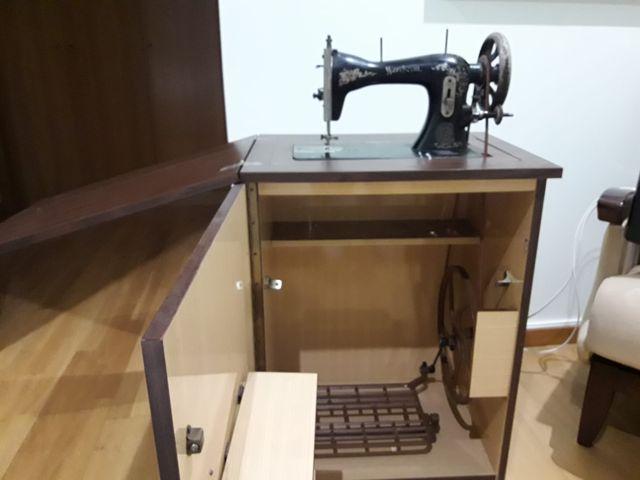 Maquina coser antigua
