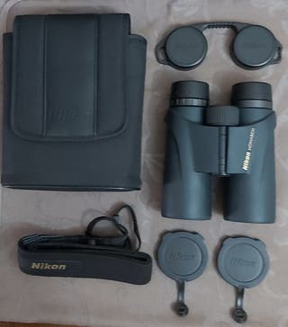 Prismaticos Nikon 10x42 .