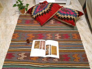 Alfombra kılım turca restaurada Antigüedad 80años