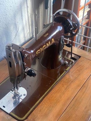 Máquina de coser Sigma como nueva