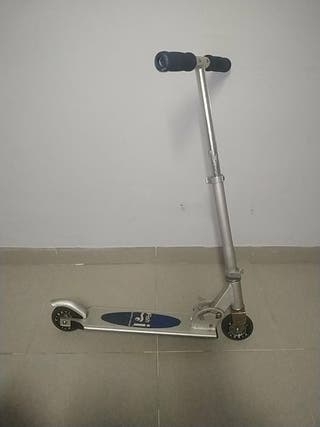 Patinete scooter marca Fish