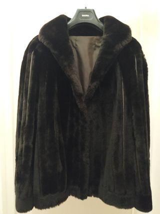 Abrigo chaquetón de mouton marrón oscuro
