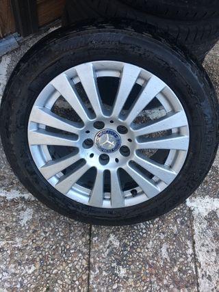 Llantas Mercedes con neumáticos