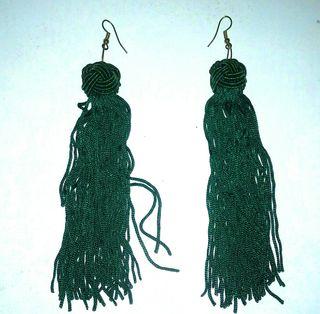 Pendientes largos verde esmeralda sin estrenar