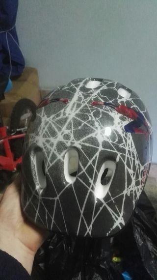 casco bici spiderman