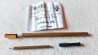 Desaparece el lápiz - truco de mágia