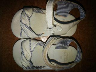 sandalias bebe numero 20 zara.