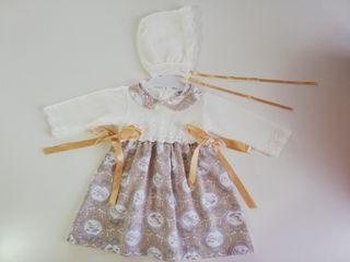Vestido de bebé con capota talla 6 meses