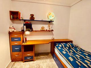 Dormitorio juvenil / 2 camas / escritorio/cajonero