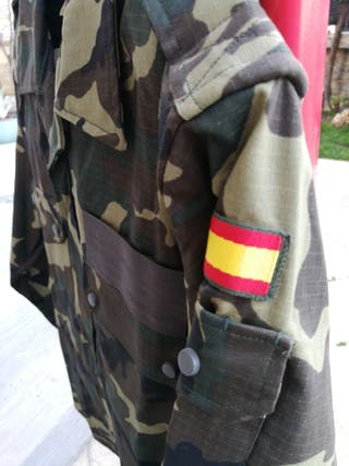 ropa militar.