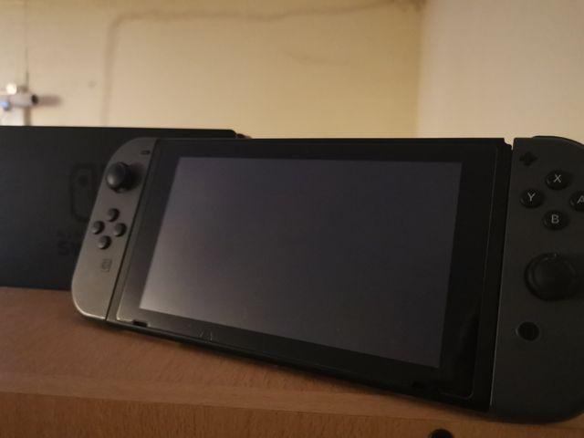 Nintendo Switch 32GB Grey w/Extras
