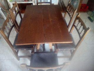 mesa más 6 sillas de madera antiguas