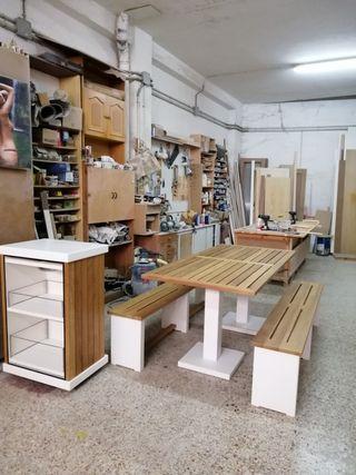 Conjunto d mesa d jardín bancos y mueble d bebidas