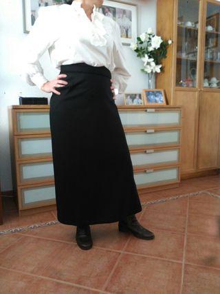 traje de falda y blusa de amazona