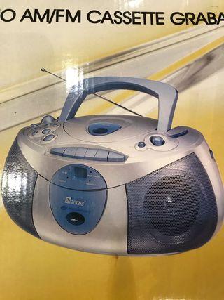 Radio cassette cd Nevir