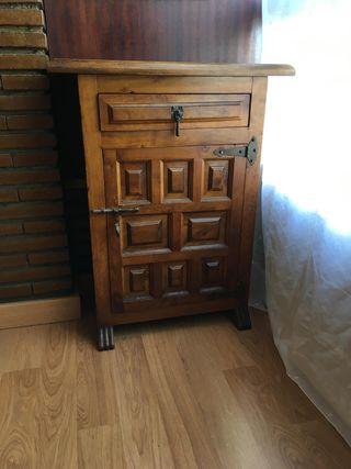 Mueble bajo con cajón y estantería interior